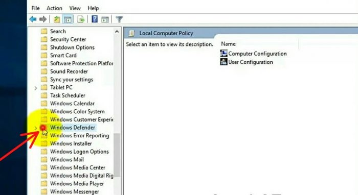 """Select """"Windows Defender"""" on the left side"""
