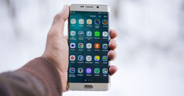 Samsung's new leader Galaxy S cell phone